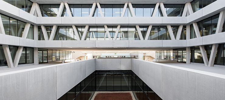 Innenarchitekt Quereinsteiger innenarchitektur trifft visuelle kommunikation masterstudium raum